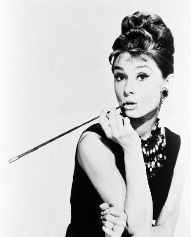 И образ у тебя такой шикарный, а-ля Одри Хепберн.  Очень впечатляет!