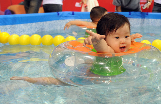Letting Babies Swim In Chlorinated Pools Harms Their Health For Life Health Wellness