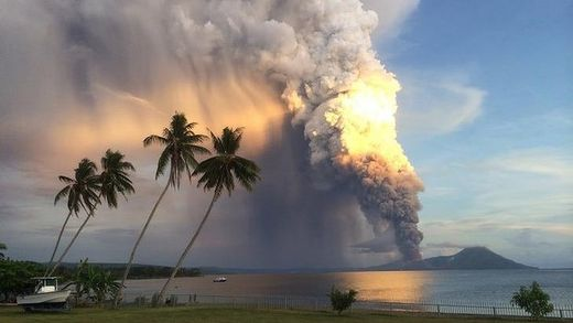 Mt Tavurvur eruption 2