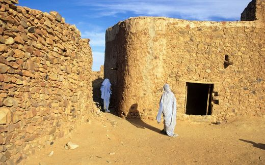 Generations of families have been guarding ancient libraries in Sahara Desert