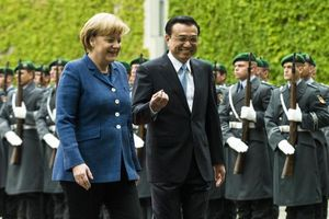 Premier Li Keqiang and Angela Merkel