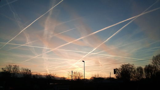 Cosmic COINTELPRO: Baiting chemtrails conspiracy theorists with straw men