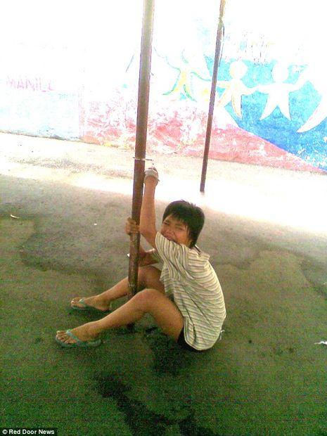 homeless child_manilla