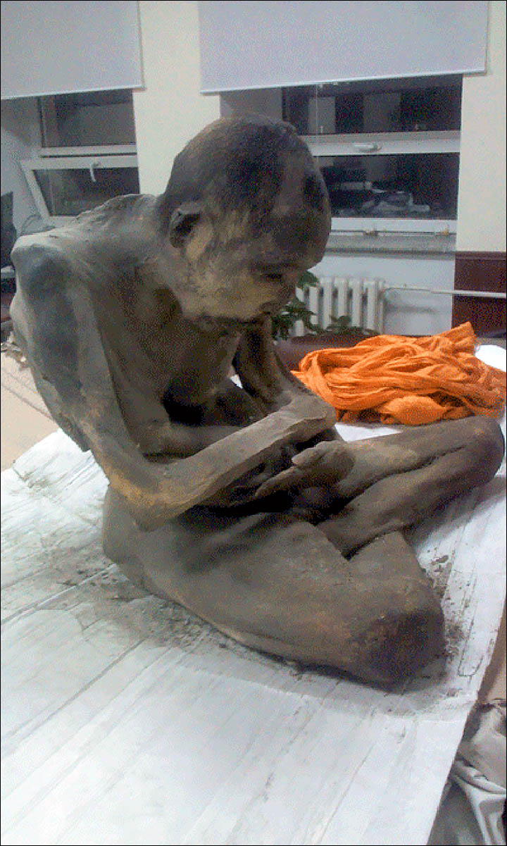 Mummified remains of '200 year old man in lotus position' found in Mongolia