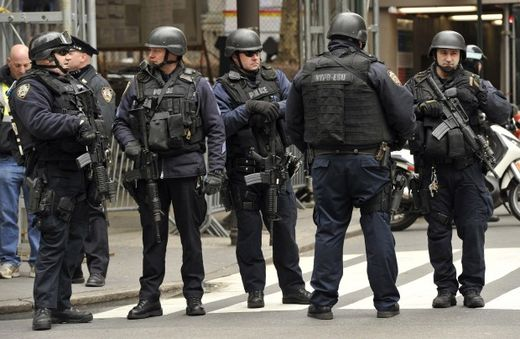 Terrorists are us now? NYPD special force to patrol with machine guns
