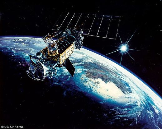 Space rock collision? USAF satellite explodes in Earth orbit