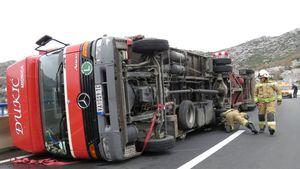 split, croatia winds overturn truck