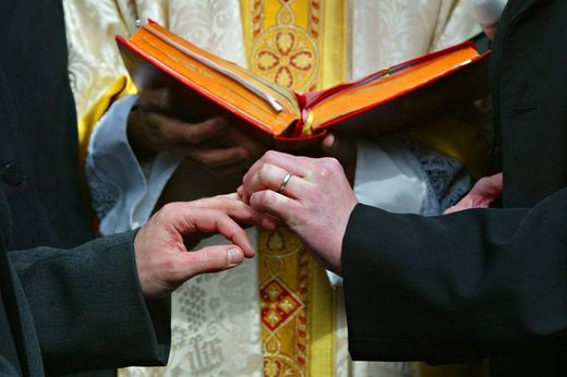gay_wedding_priest