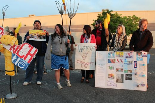 Nestlé water bottling plant shut down by drought protestors in California