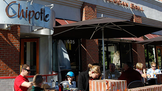 Chipotle bans GMO foods from its restaurants