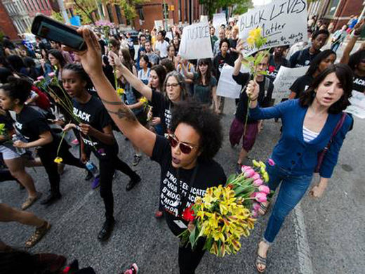 "'We condemn the police brutality': How the Western media would cover the Baltimore ""riots"" if it happened elsewhere"