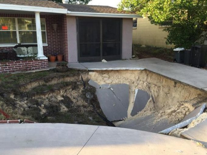 Residents Nervous From Sudden Appearance Of Sinkholes In Port Richey,  Florida Neighborhood    Earth Changes    Sott.net
