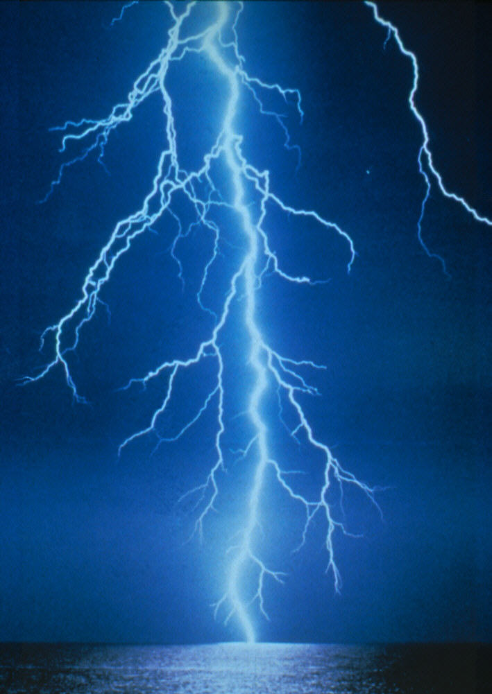 Lightning strike kills hiker, injures several others at Mogollon Rim,  Arizona
