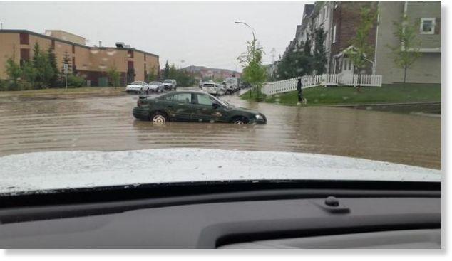 Viloentes inondations calgary canada juillet 2015 for Porte 12 fooding