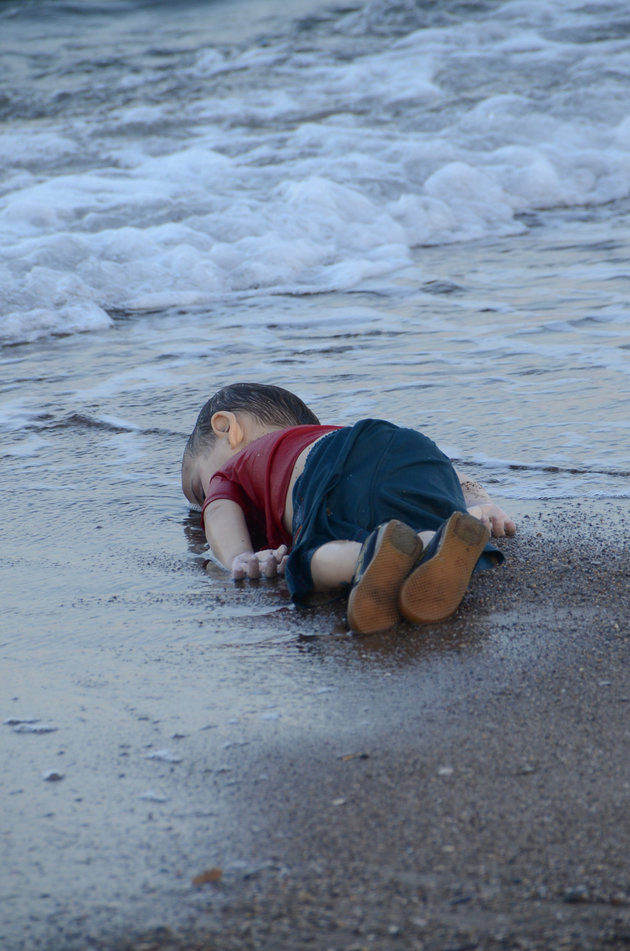 Shocking image of drowned Syrian boy symbolizes growing NATO war refugee crisis, sparking outcry on social media