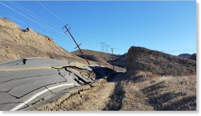 http://www.sott.net/image/s14/283379/full/Vasquez_Canyon_Road_buckles_Sa.jpg