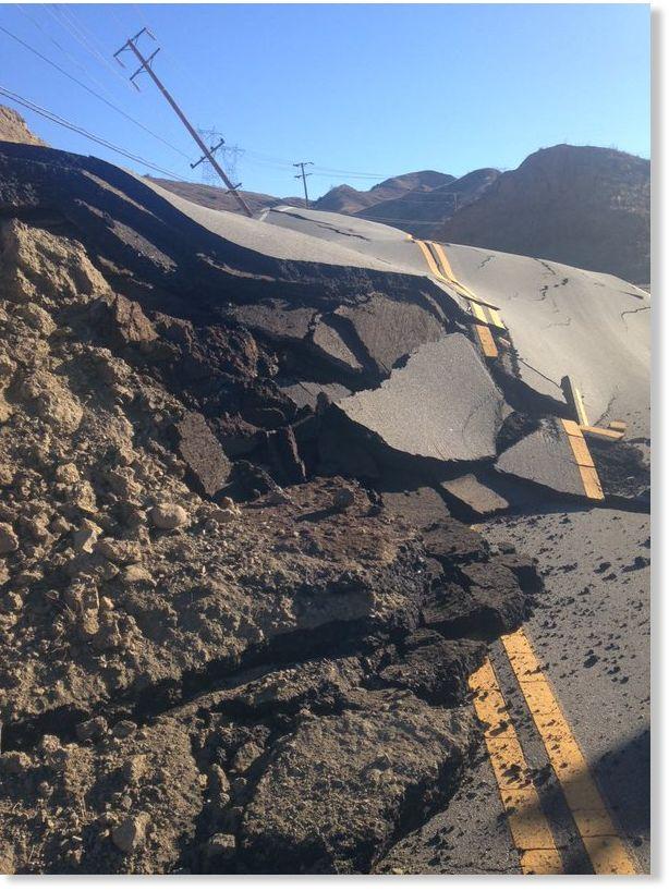 http://www.sott.net/image/s14/283382/full/Vasquez_Canyon_Road_buckles_Sa.jpg