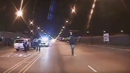 Protests erupt as Chicago police release video in Laquan McDonald shooting