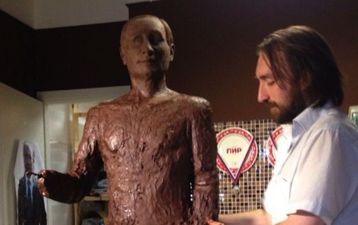Russian confectioners hope to break world record with life-size chocolate Putin statue
