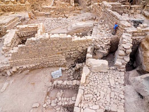 Archaeologists unearth Hellenistic Period fortress of Acra
