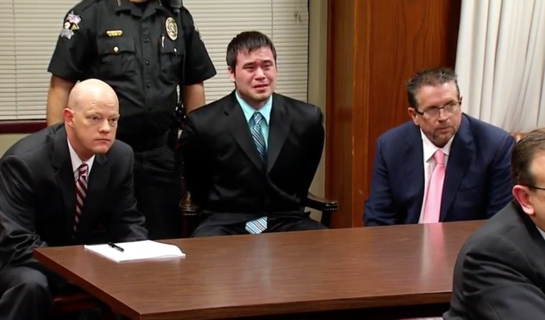 Police officer Daniel Holtzclaw cries like a baby as he's ...