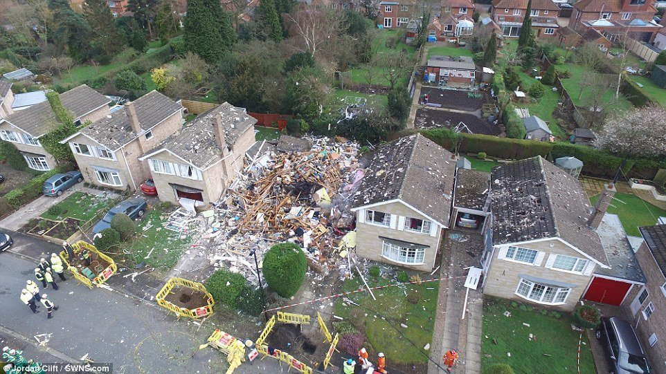 Man Killed In Massive House Explosion In Yorkshire Uk