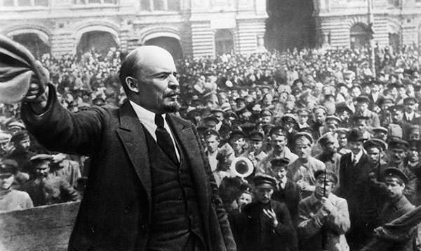 How did Lenin's leadership help the Bolsheviks to win the Civil War?