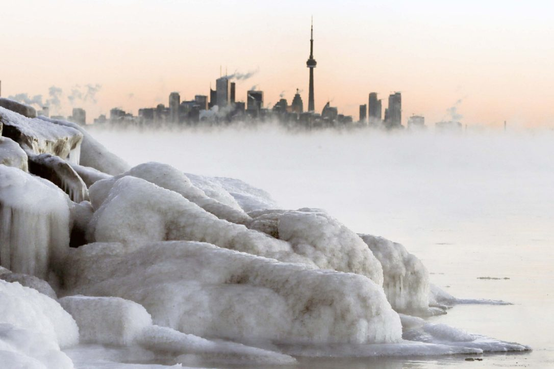 Ice storm pelts Southern Ontario with more than 550 ...