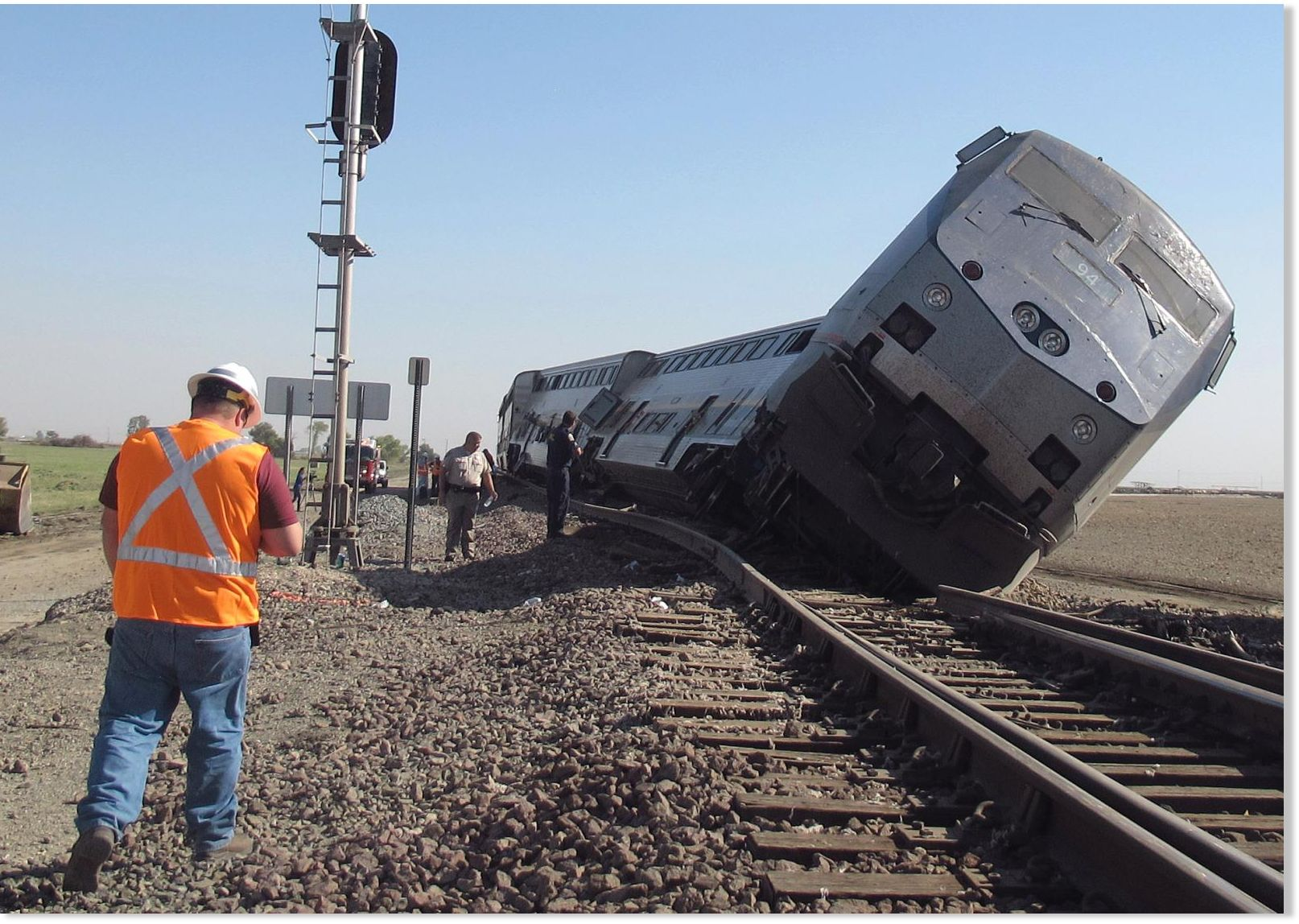 At least 20 injured in california train crash society 39 s for Depot bad