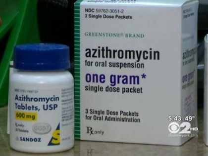 Azithromycin with food
