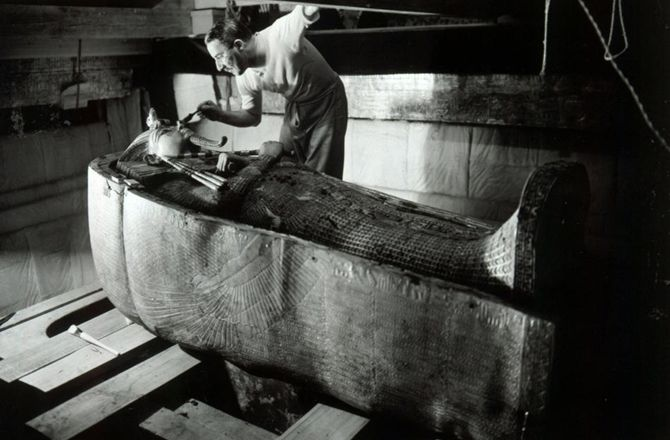 King Tut Tomb Discovery: Weird Facts About King Tut And His Mummy -- Secret History