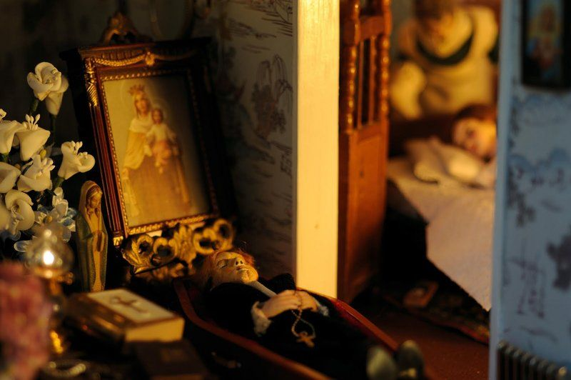 Book reports on the dollhouse murders