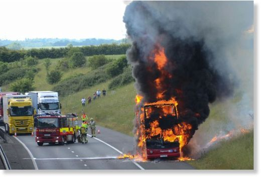 http://www.sott.net/image/image/s9/190339/large/PAY_Essex_Bus_Fire.jpg
