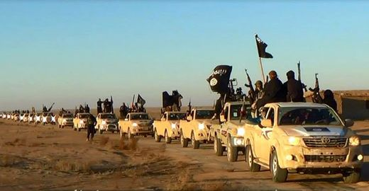 istorijski fragmenti - Page 2 ISIS_CIA_Convoy