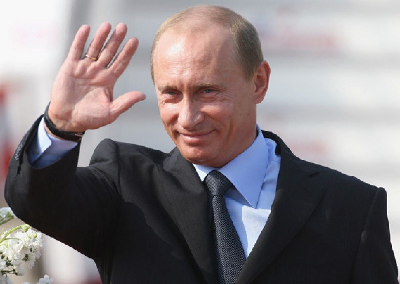 Vladimir Putin suggests US hackers meddled in election ...