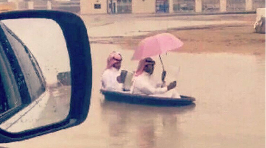 Floating Cars People In Boats Havoc As Qatar Saudi