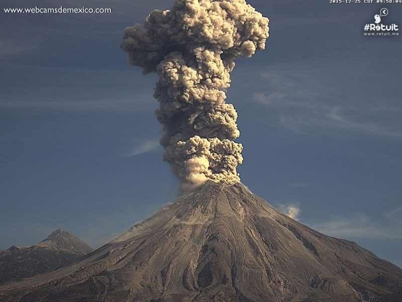 mexico u0026 39 s colima volcano erupts  spewing smoke and ash 2 km