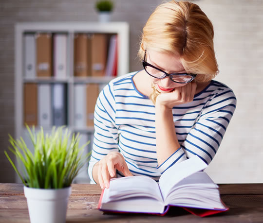 read literary essays Letters about literature is a reading and writing contest for students in grades 4-12 students are asked to read a book, poem or speech and write to the author (living or dead) about how the book affected them personally.