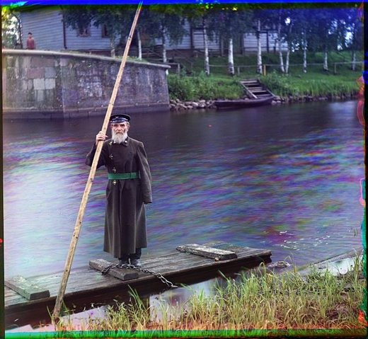 Pinkhus Karlinskii. 84, supervisor of the Chernigov floodgate, with 66 years of service. (1909)