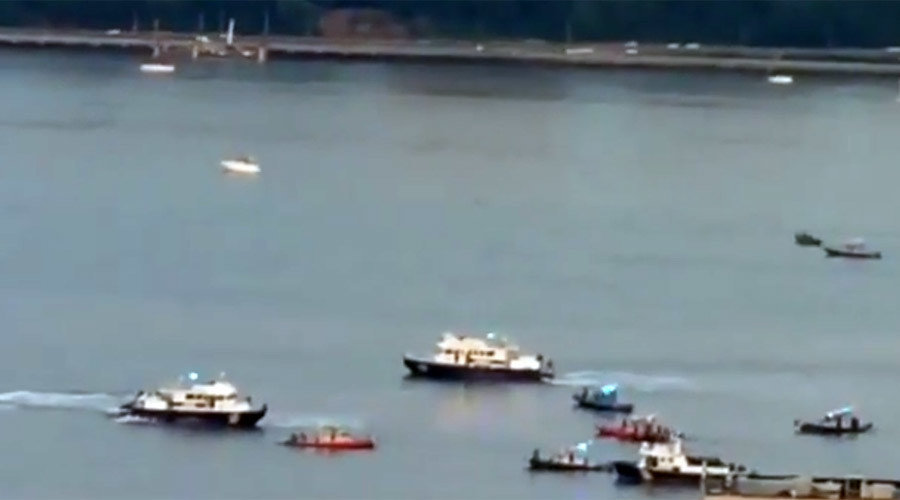 njsp helicopter with 319161 Small Plane Crashes Into Hudson River Search And Rescue Under Way on Nj State Police C oree 2011 likewise 21694 furthermore Three Injured In Electrical Fire In Cranford On T also Watch also Article 610a7317 8479 5e5c Af22 6caf186ec359.