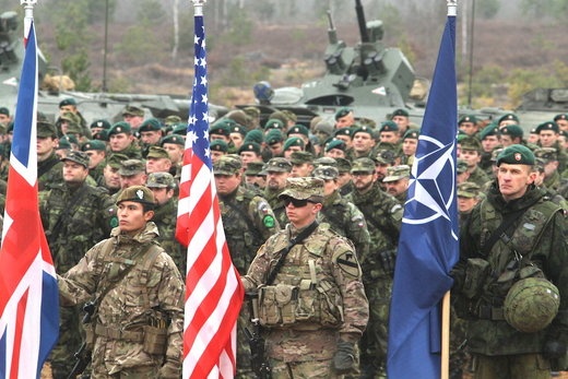 Nato troops exercise