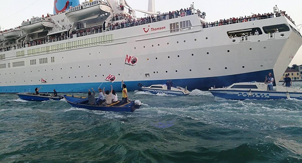 Tempers Flare In Venice As Angry Citizens Block Cruise Ships From Docking -- Societyu0026#39;s Child ...