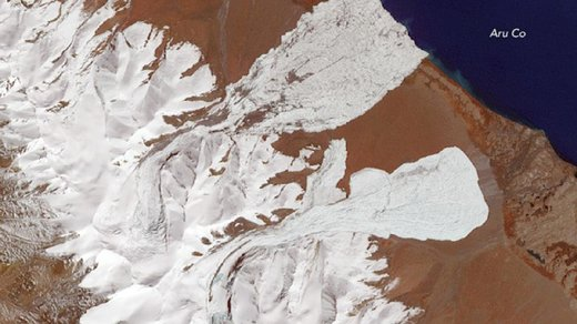 twin ice avalanches in Tibet