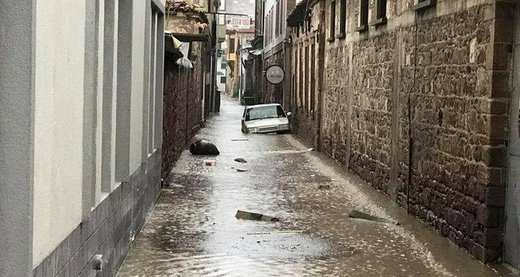 Floods strike western Turkey after downpours
