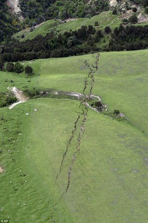 giant crack in New Zealand hill