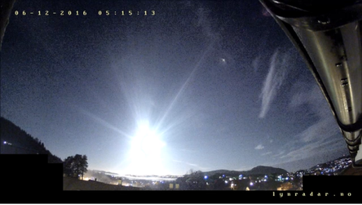 Massive meteor fireball explodes several times off the coast of Norway
