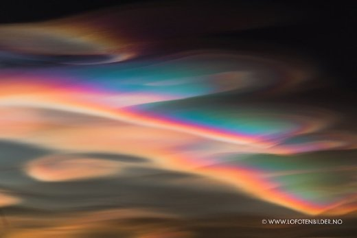 Polar stratospheric clouds over Norway