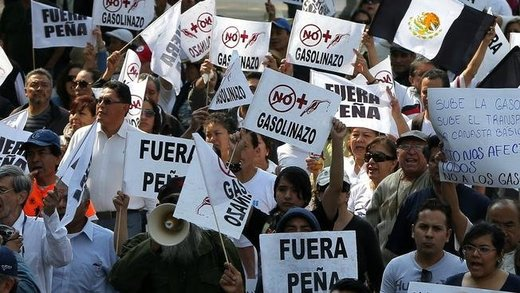 Mexico: 'Gasolinazo' protests just a symptom of corruption, inflation and neoliberal policies