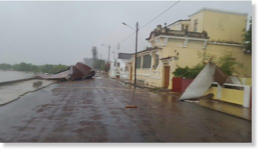 tropical cyclone batters Mozambique