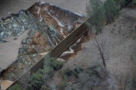 Projections of rainfall will overtop emergency spillway by 13 feet at California's Oroville Dam